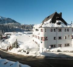 Family Hotel Schloss Rosenegg 1