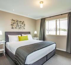 Quality Apartments Banksia Gardens 1