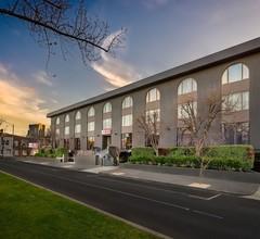 Best Western Plus Travel Inn Hotel 2