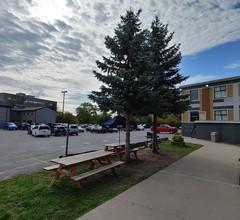 Econo Lodge City Centre 2