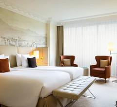 Renaissance Lucerne Hotel 2
