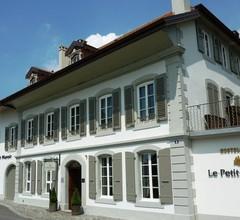 Hostellerie Le Petit Manoir 1