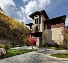 Hilton Jiuzhaigou Resort 1