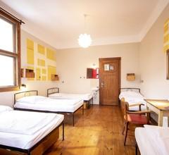 Sir Toby's Hostel 2
