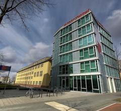 Airporthotel Berlin Adlershof 2
