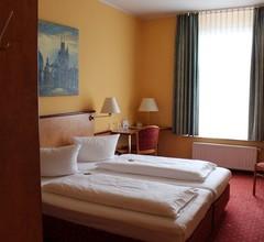Stargaze Hotel Astor 1