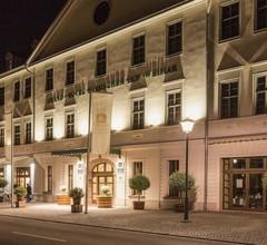 Best Western Premier Grand Hotel Russischer Hof 2