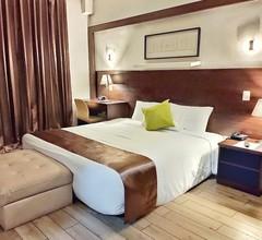 Weston Suites & Hotel 1
