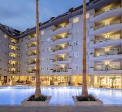 Aqua Hotel Montagut Suites 1