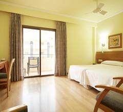 Invisa Hotel La Cala 1