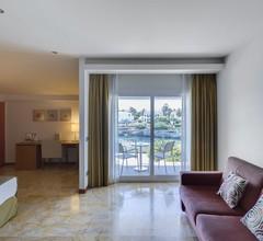 Hotel Port Ciutadella 1
