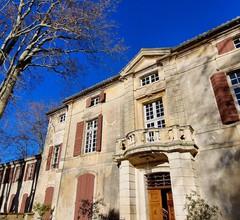Chateau De Roussan 2