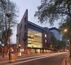 DoubleTree by Hilton London Angel Kings Cross 1