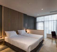 Trianon Luxury Apartments & Suites 1