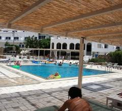 Armadoros Hotel / Ios Backpackers 1