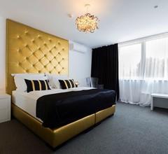 B Gold Luxury Rooms 1