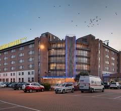 Record Hotel 1
