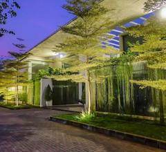 FM7 Resort Hotel 2
