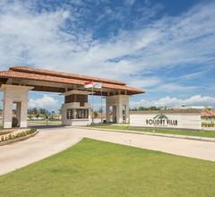 Holiday Villa Pantai Indah 1