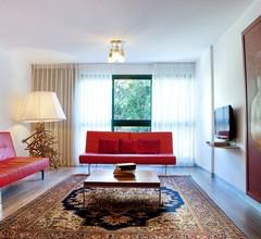 Diaghilev Loft Live Art Hotel 2