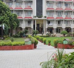 Hotel Surya 2