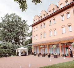 Garden Park Hotel 1