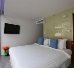 S Box Sukhumvit Hotel 1