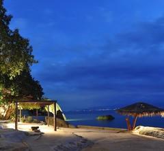 The Bay Resort & Restaurant 1