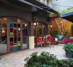 Corinne Art & Boutique Hotel 1