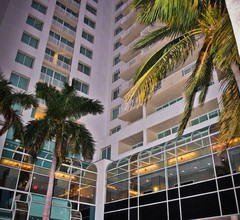 GALLERYone - a DoubleTree Suites by Hilton Hotel 2
