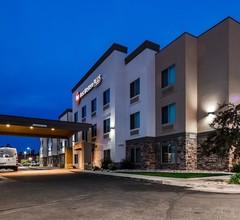 Best Western PLUS Airport Inn & Suites 2