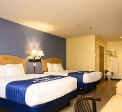 Days Inn & Suites by Wyndham Niagara Falls/Buffalo 2