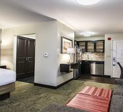 Staybridge Suites Marquette 2