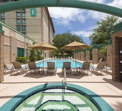 Embassy Suites by Hilton Tampa USF Near Busch Gardens 2