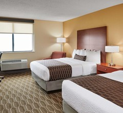 Best Western Plus Milwaukee Airport Hotel & Conference Center 2