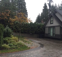Vancouver Austin Guesthouse 2