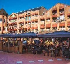 Queen Hotel 1