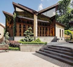 Elegant Hotel & Resort 1