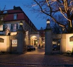 Schlosshotel Berlin by Patrick Hellmann 1