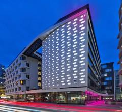 Moxy Frankfurt City Center 1