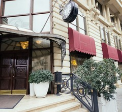 Sapphire City Hotel 2