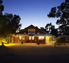Outback Pioneer Hotel 2