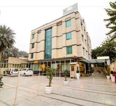 Emblem Hotel Sector 14 Gurgaon 1