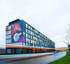 citizenM Schiphol Airport Hotel 2