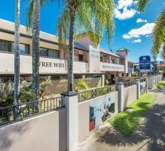 Cairns City Palms 2
