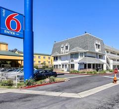 Motel 6 Oakland Airport 1