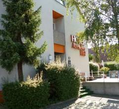 Auracher Hof 2