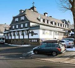 Romantik Berghotel Astenkrone 1