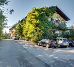 Häuserl im Wald 2