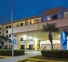 Holiday Inn Express & Suites Miami - Hialeah 1